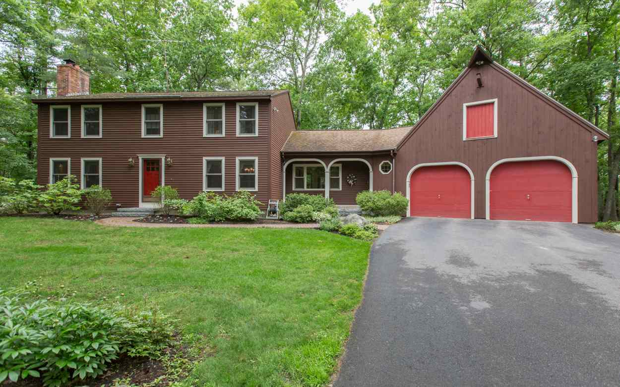Photo of 130 Castle Hill Road Windham NH 03087