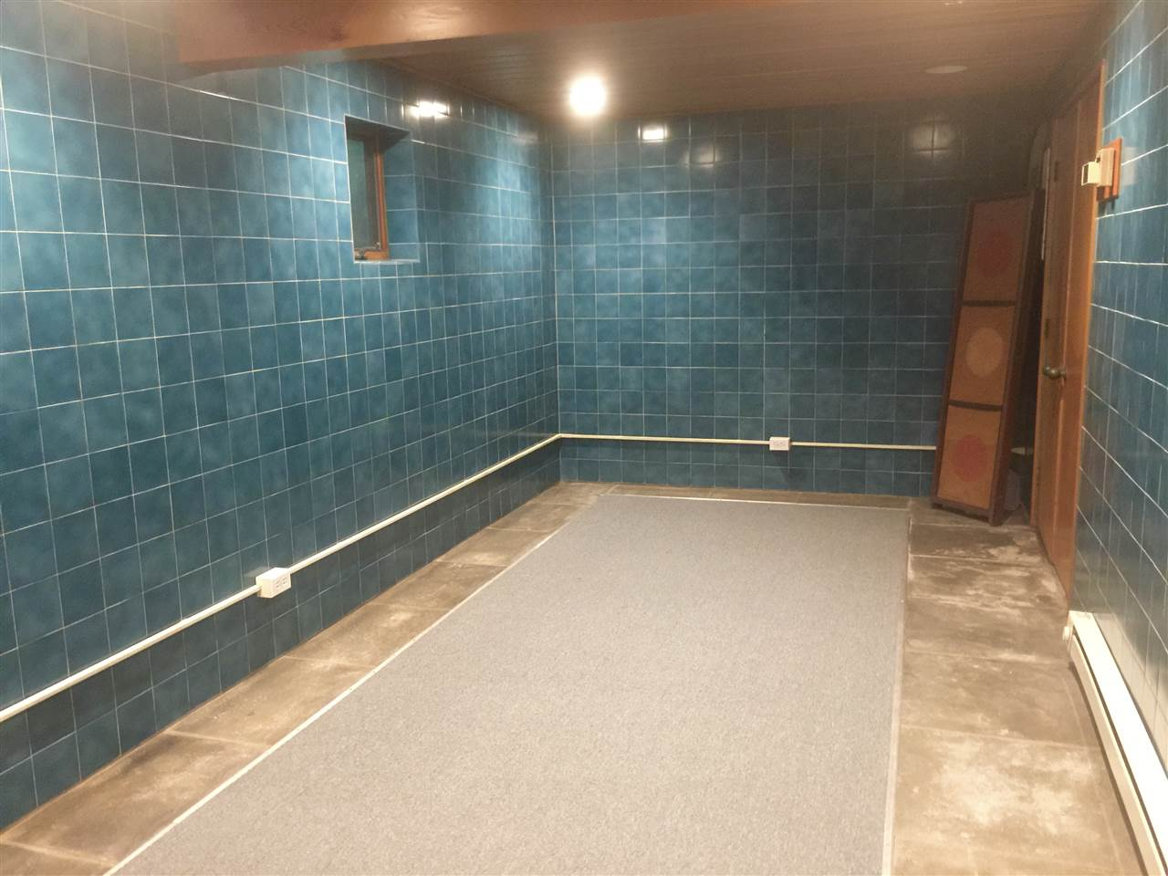 storage room 12084070