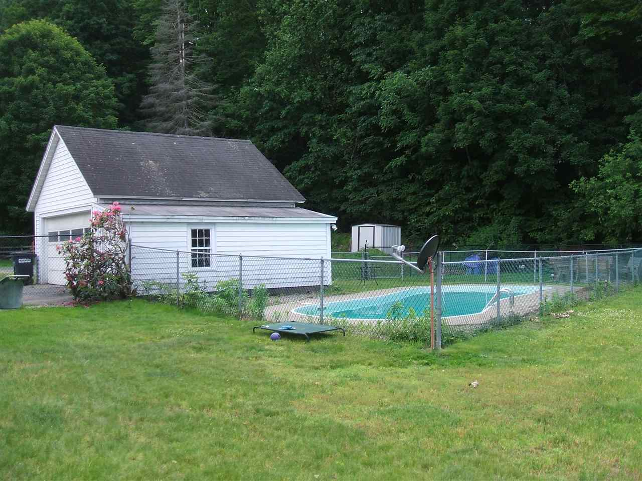 Fully Fenced and Ready for Summer! 12087984