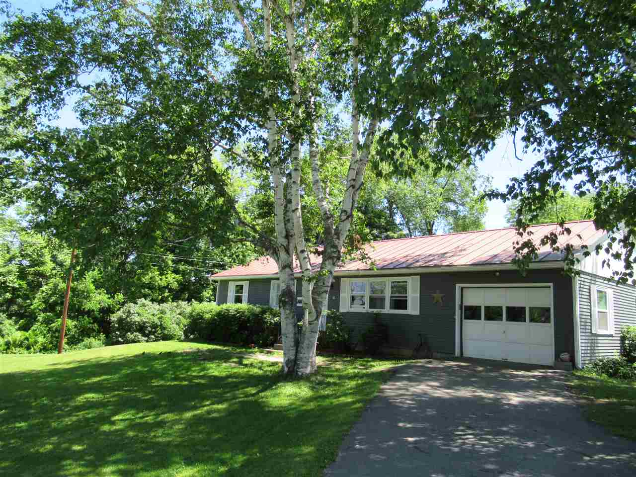 Hartford VT Home for sale $List Price is $214,900