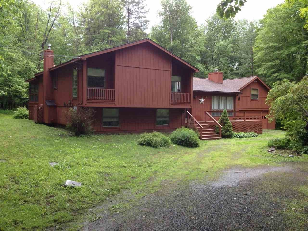 VILLAGE OF QUECHEE IN TOWN OF HARTFORD VT Home for sale $$249,000 | $163 per sq.ft.