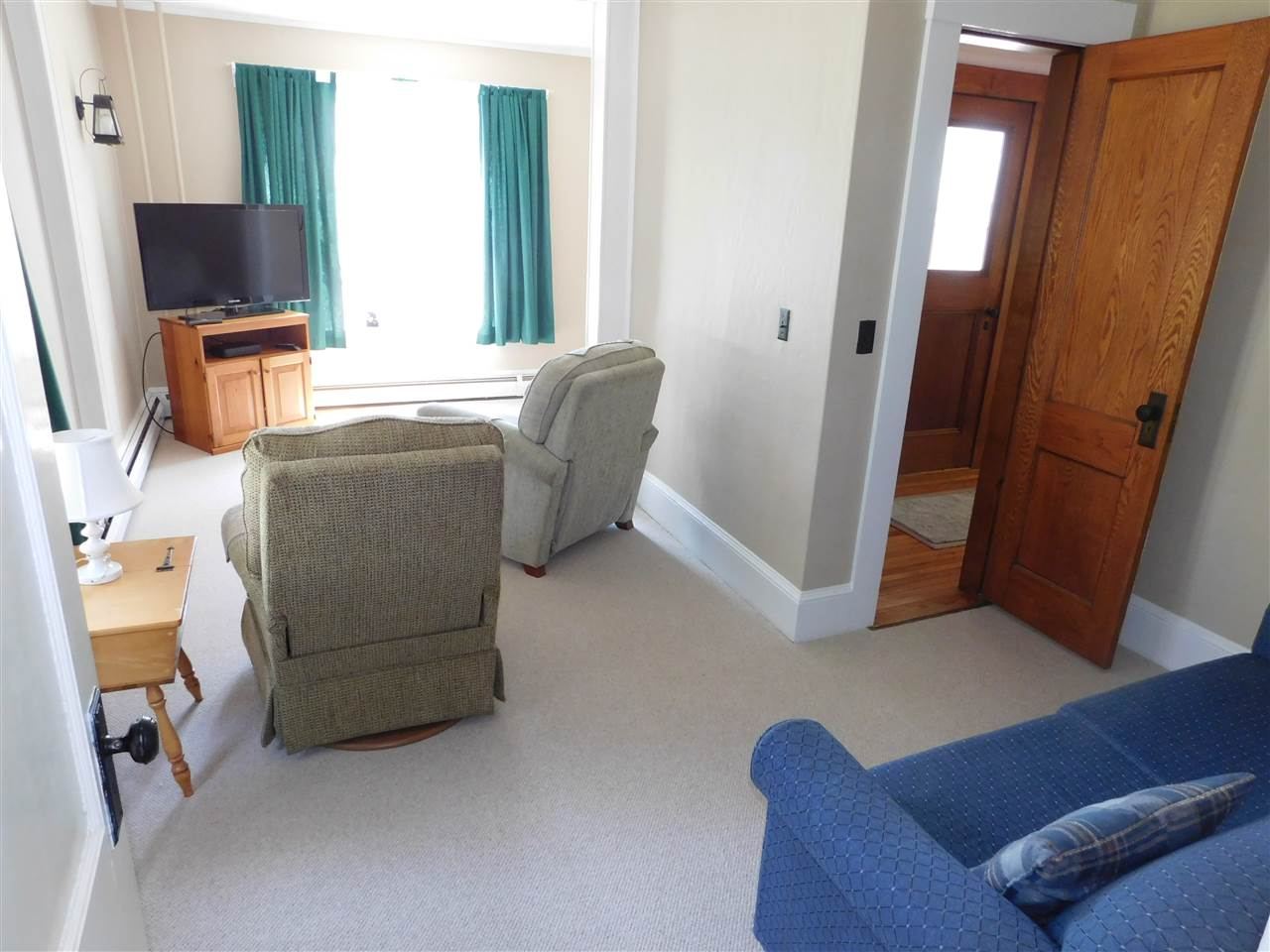 Separate, Carpeted Den, (20 x 12) Former Doctor