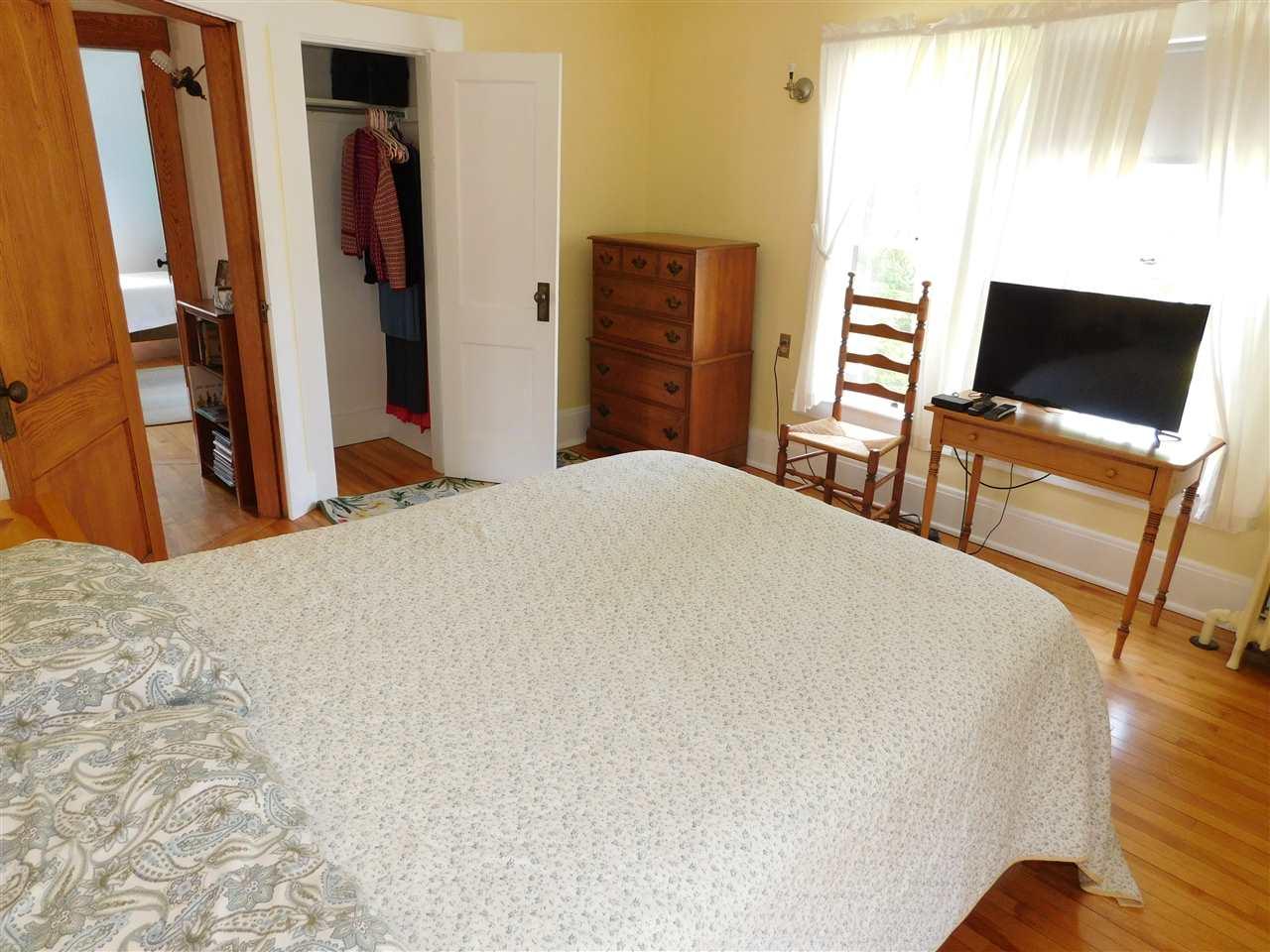 Master Bedroom Suite,(13 x 14) 12114480