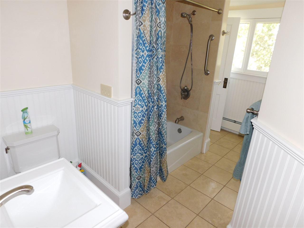 Full Bath Tub, & Pedestal sink! 12114486
