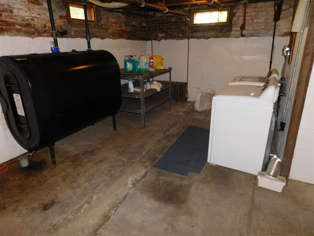 Newer Washer & Dryer, plus New Oil Tank 2018! 12114566