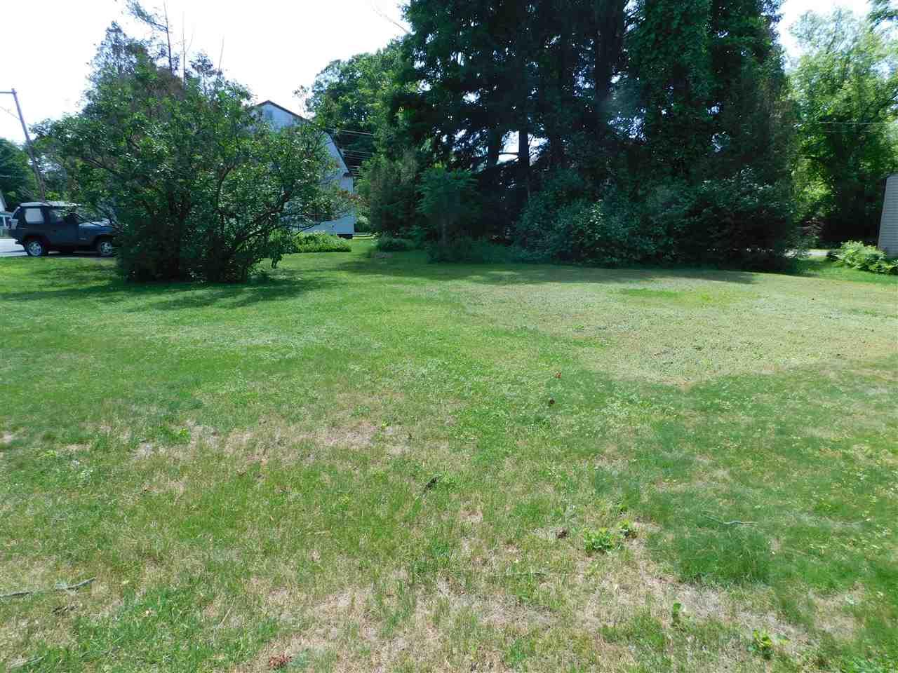 Large Yard has also Been a Lush Garden spot! 12114195