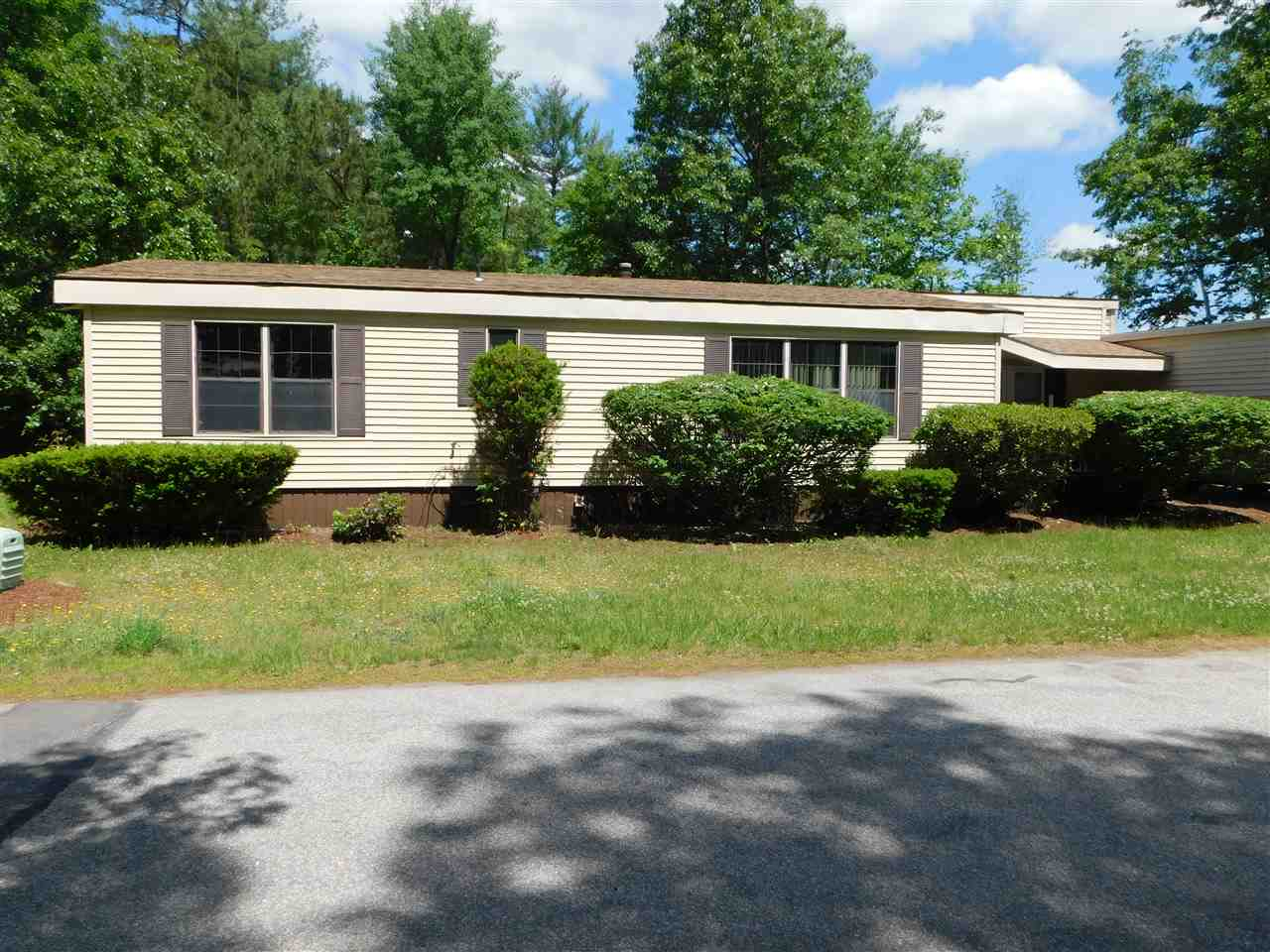 Goffstown NHMobile-Manufacured Home for sale $List Price is $79,000
