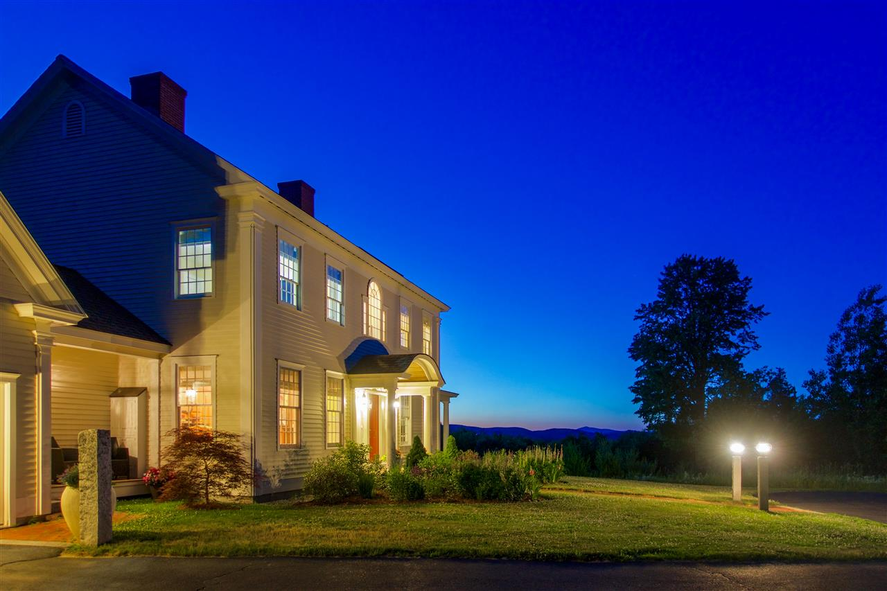 NEW LONDON NH Home for sale $$1,288,000 | $384 per sq.ft.