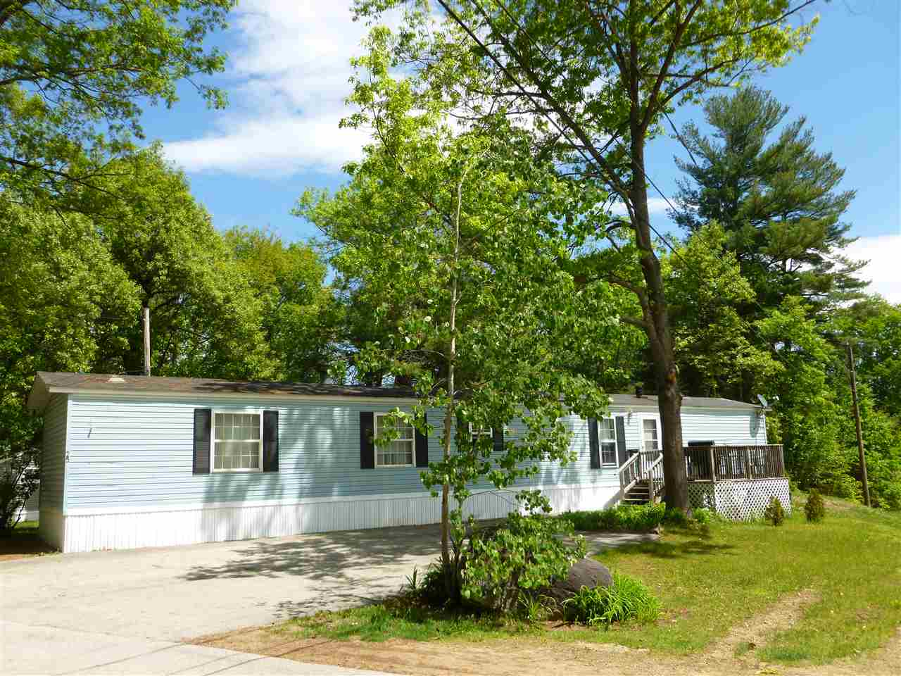 Derry NH Mobile-Manufacured Home for sale $List Price is $69,900