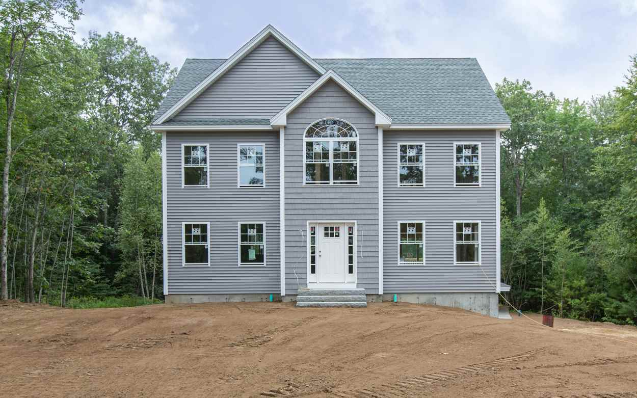 Fremont NHHome for sale $List Price is $439,000