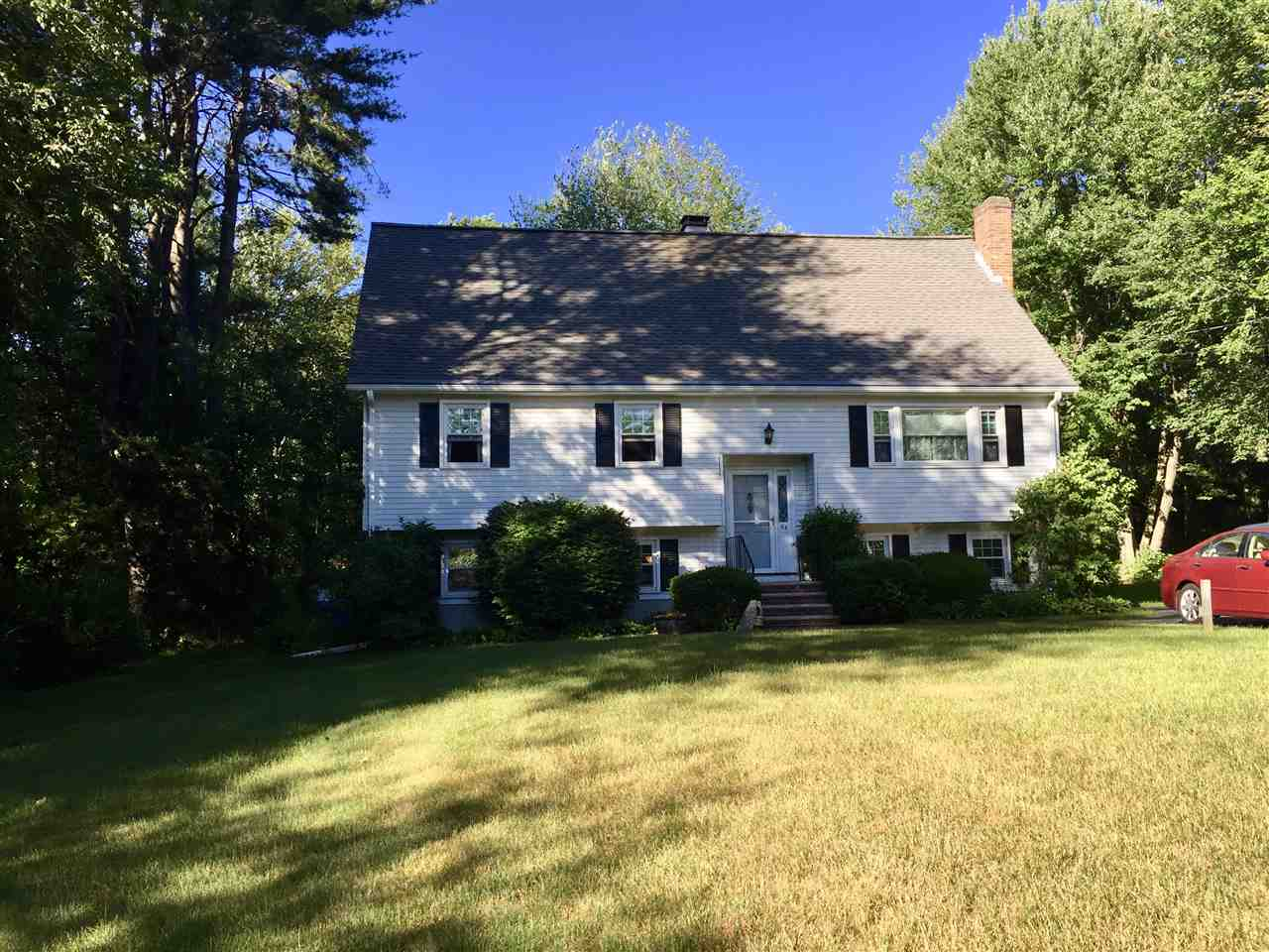 Photo of 64 Mammoth Road Londonderry NH 03053