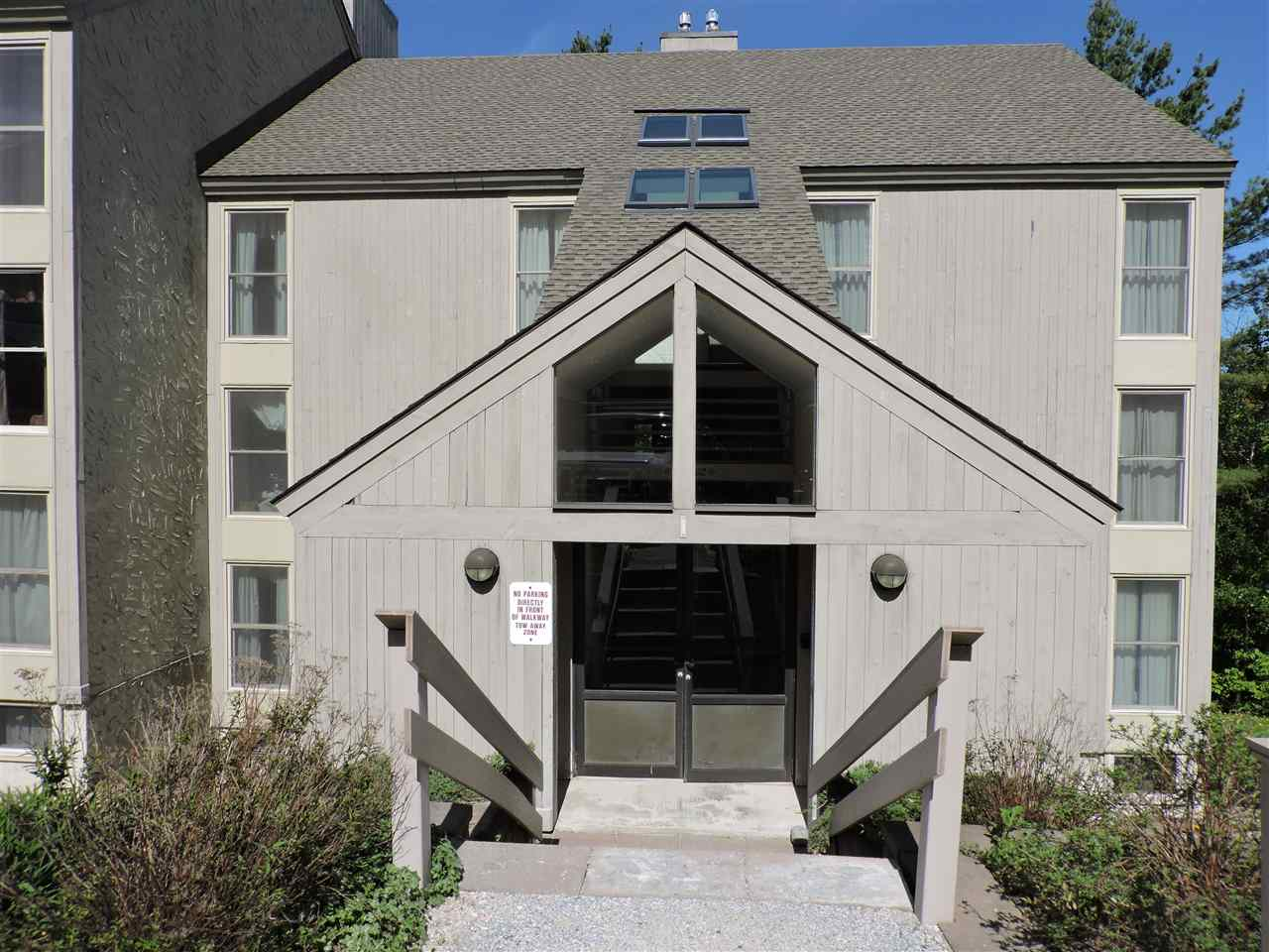 KILLINGTON VTCondo for sale $$129,000 | $151 per sq.ft.
