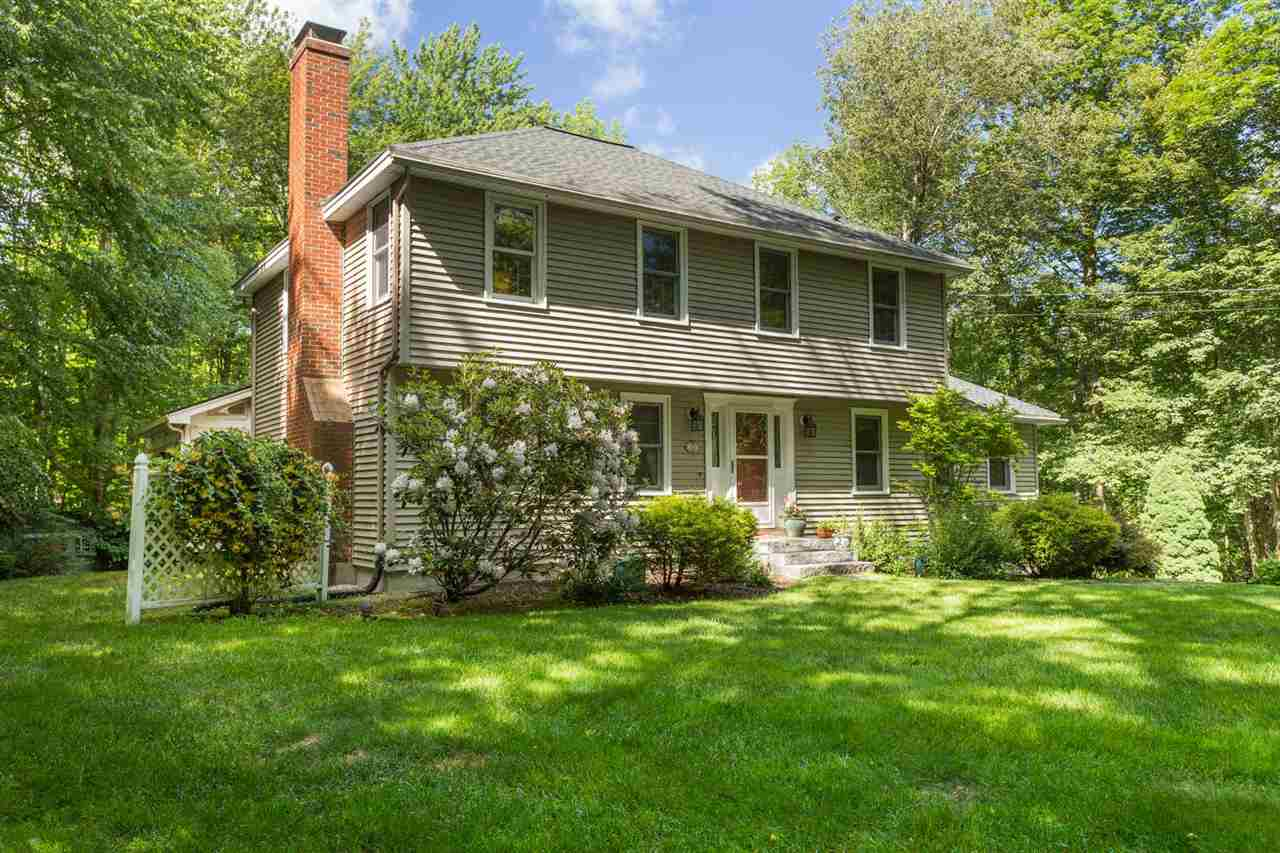 Photo of 10 Lamington Place Stratham NH 03885