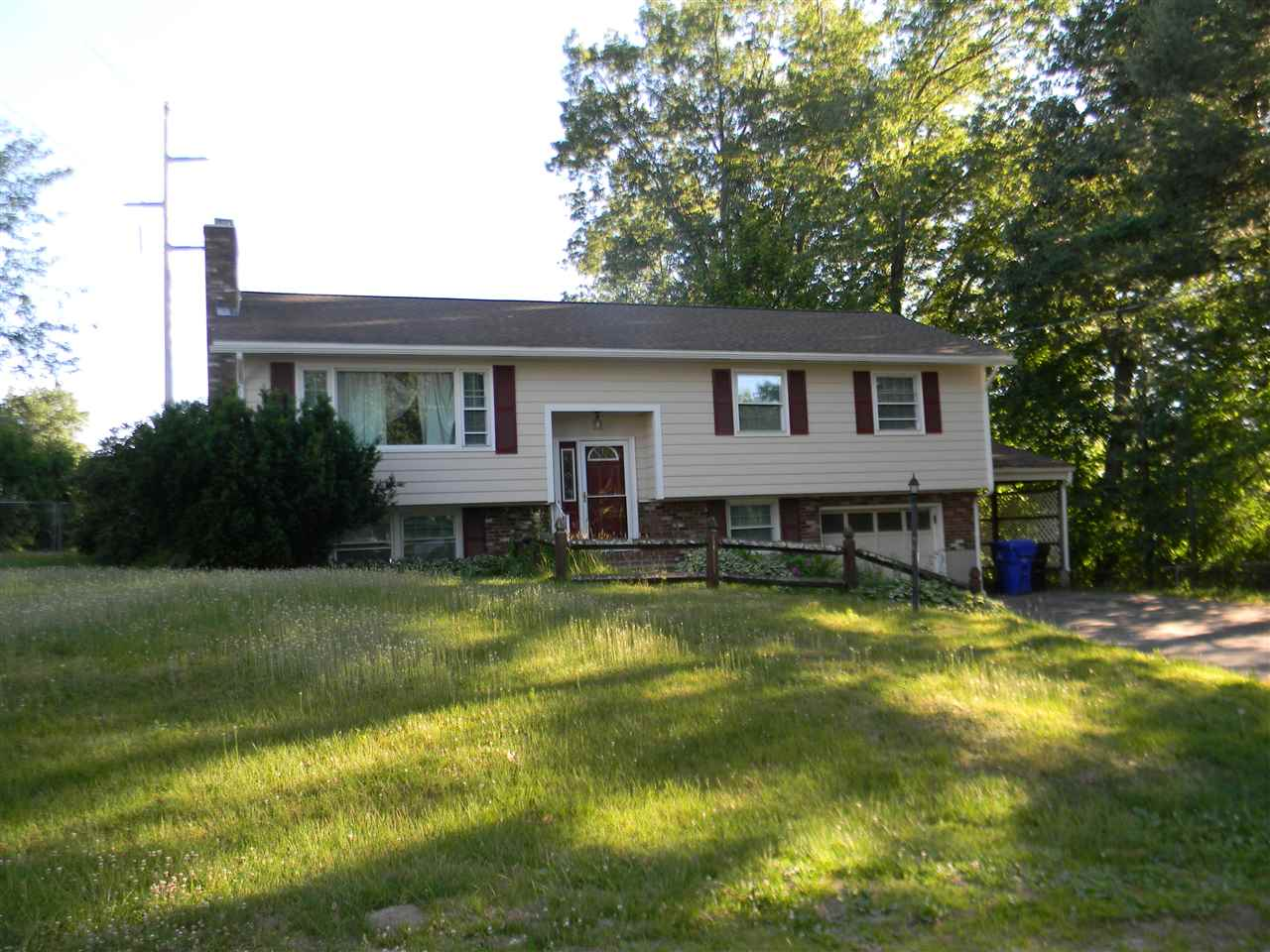 HUDSON NHSingle Family for rent $Single Family For Lease: $2,050 with Lease Term