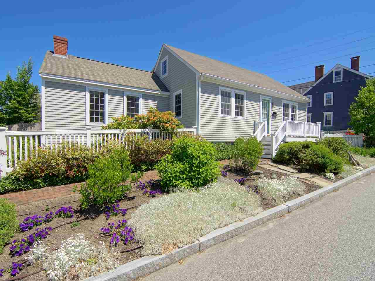 209 Marcy Portsmouth Nh 03801 Red Post Realty