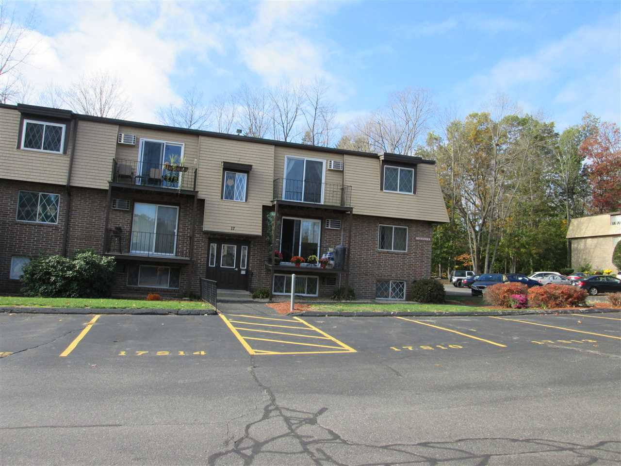 DERRY NHCondo for rent $Condo For Lease: $1,350 with Lease Term
