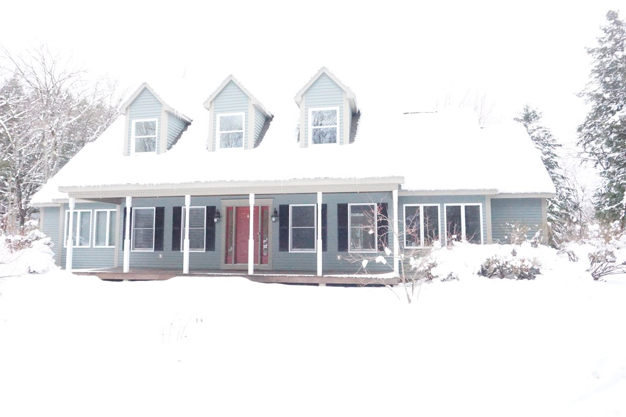 VILLAGE OF QUECHEE IN TOWN OF HARTFORD VT Home for sale $$359,900 | $136 per sq.ft.