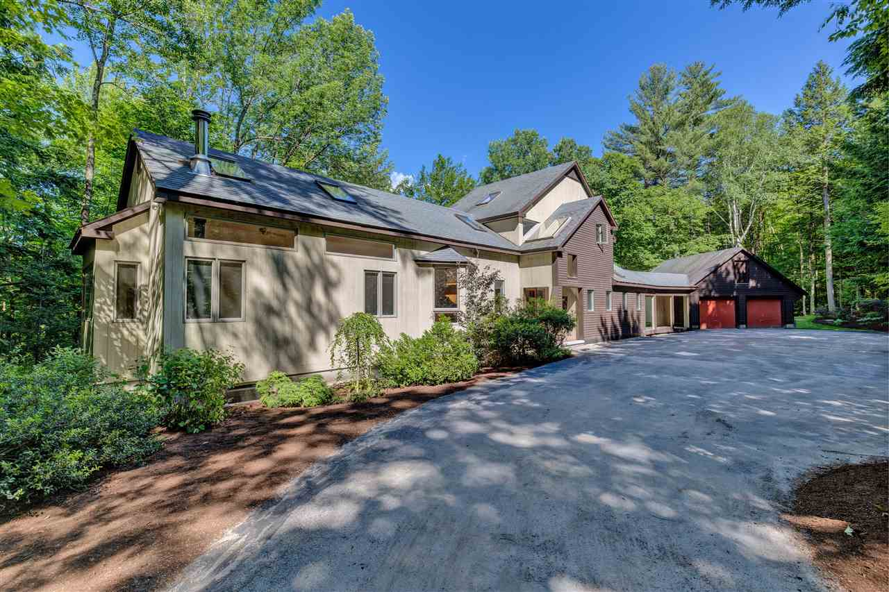 NEW LONDON NH Home for sale $$549,000 | $208 per sq.ft.