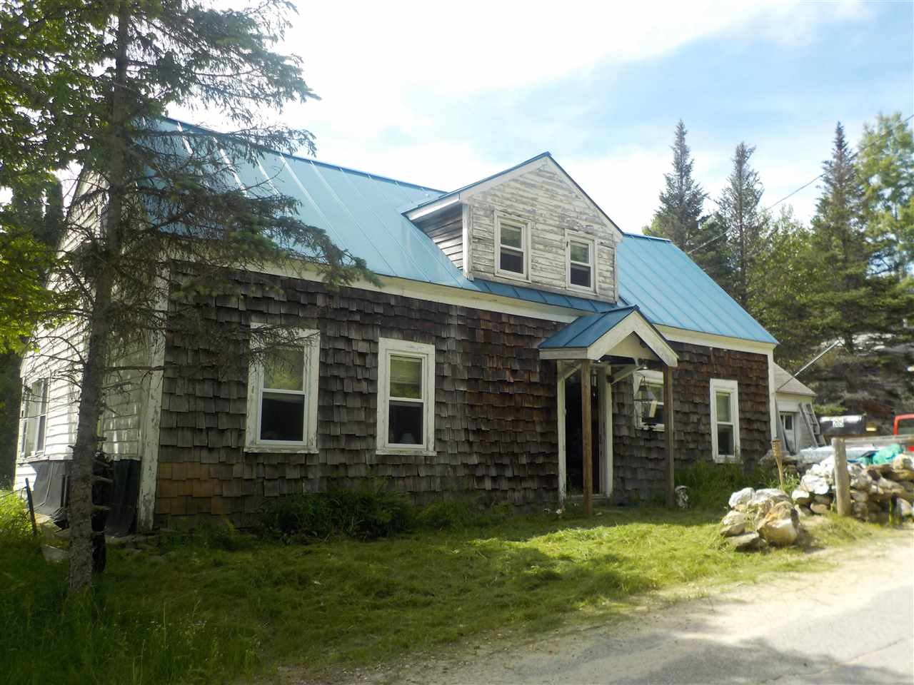 ORANGE NH Lake House for sale $$59,000 | $34 per sq.ft.