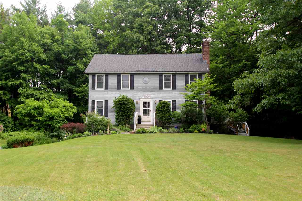 Photo of 12 Meadowbrook Road Derry NH 03038