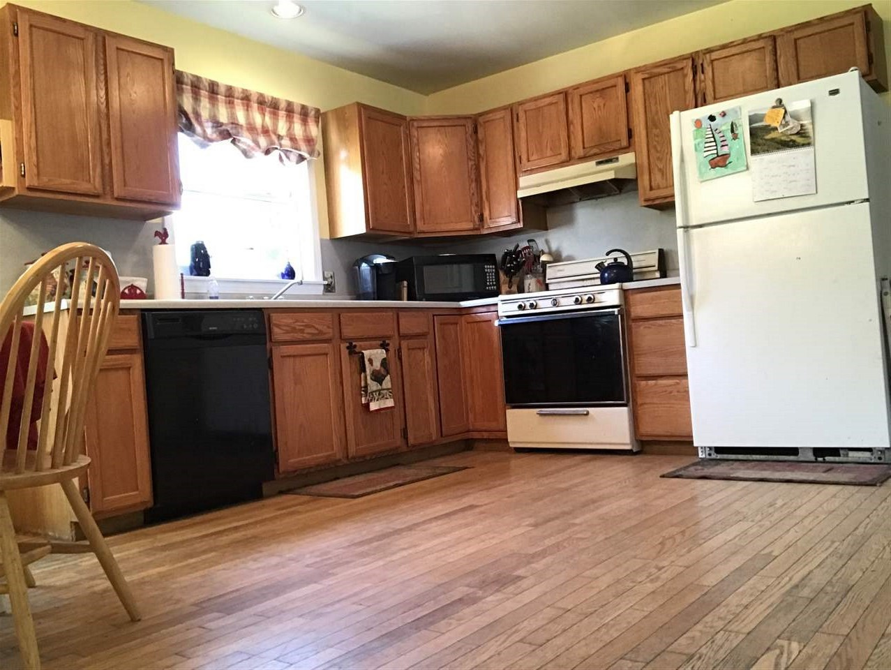 Large eat in Kitchen 12314823