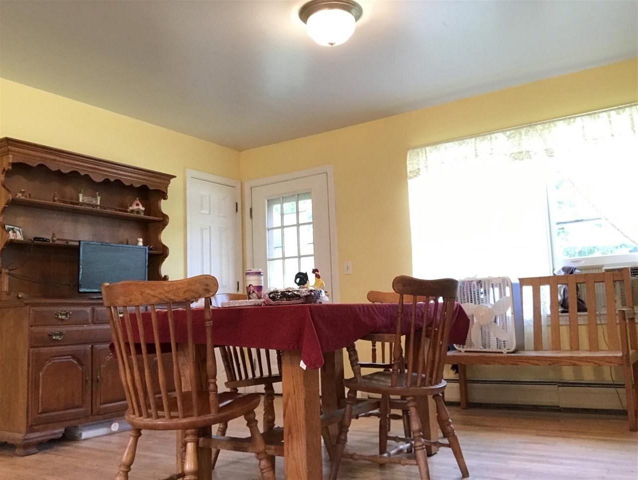 Dining / Livingroom area 12314831