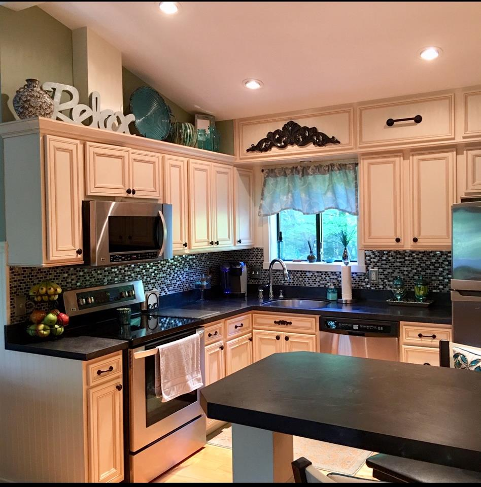Kitchen 12240026