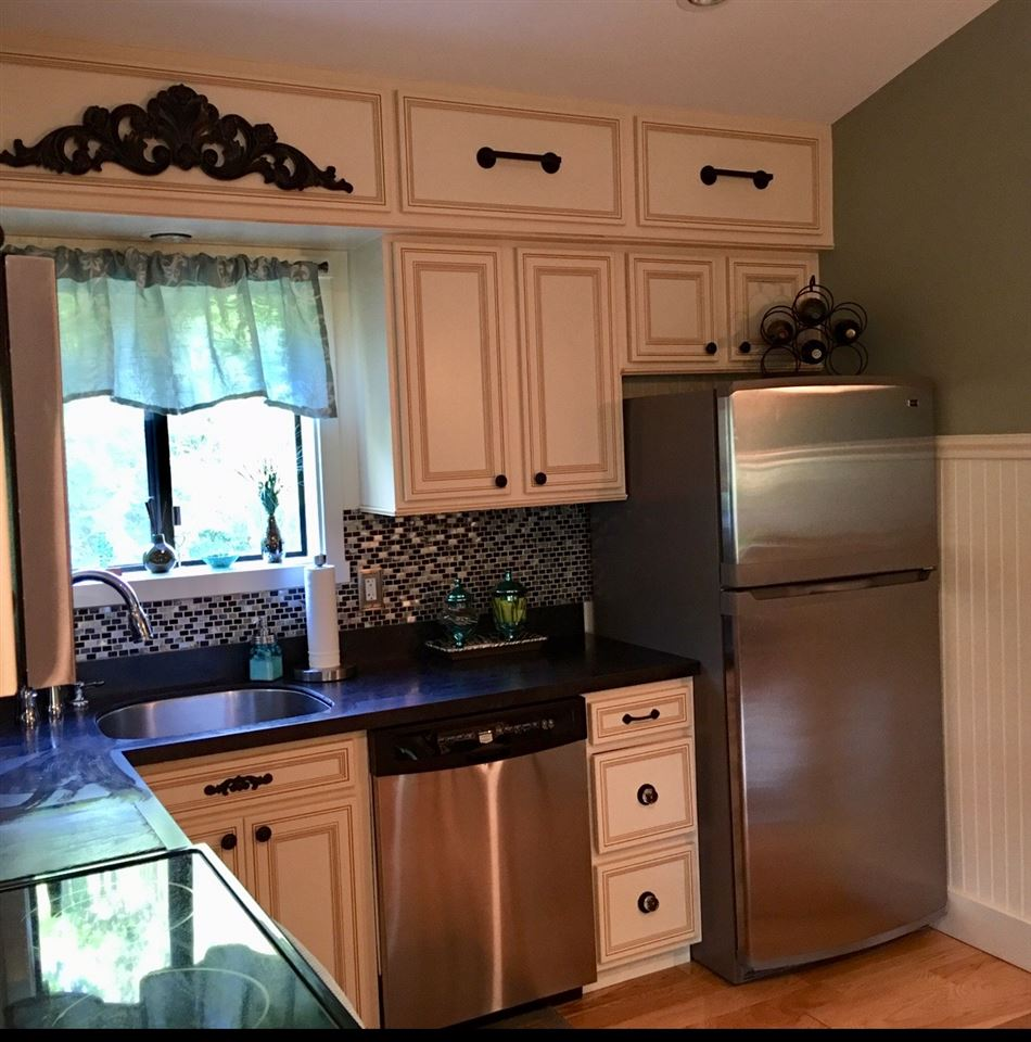 Kitchen 12240029