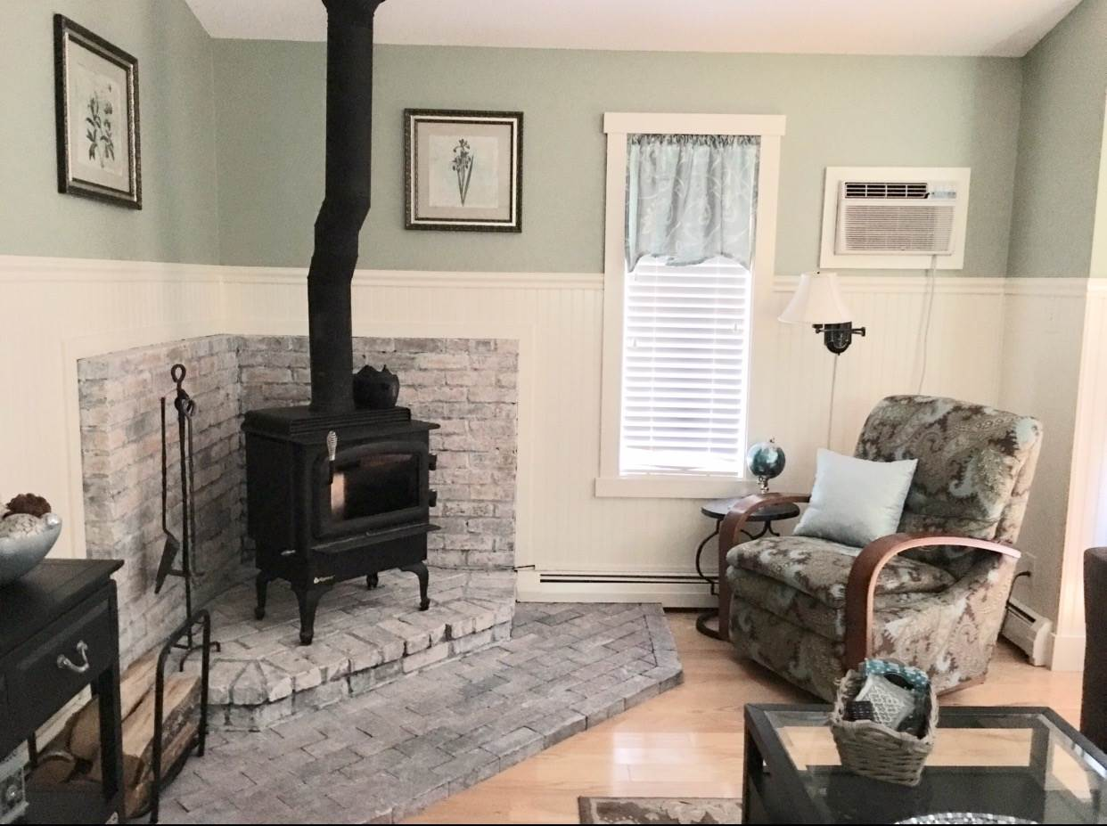 Living Room/Wood Burning Stove 12239992