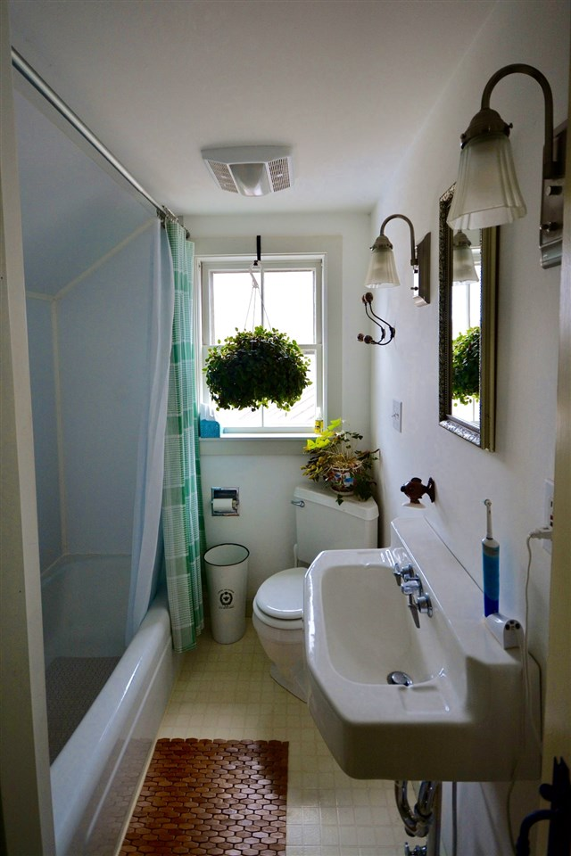 bathroom 12244200