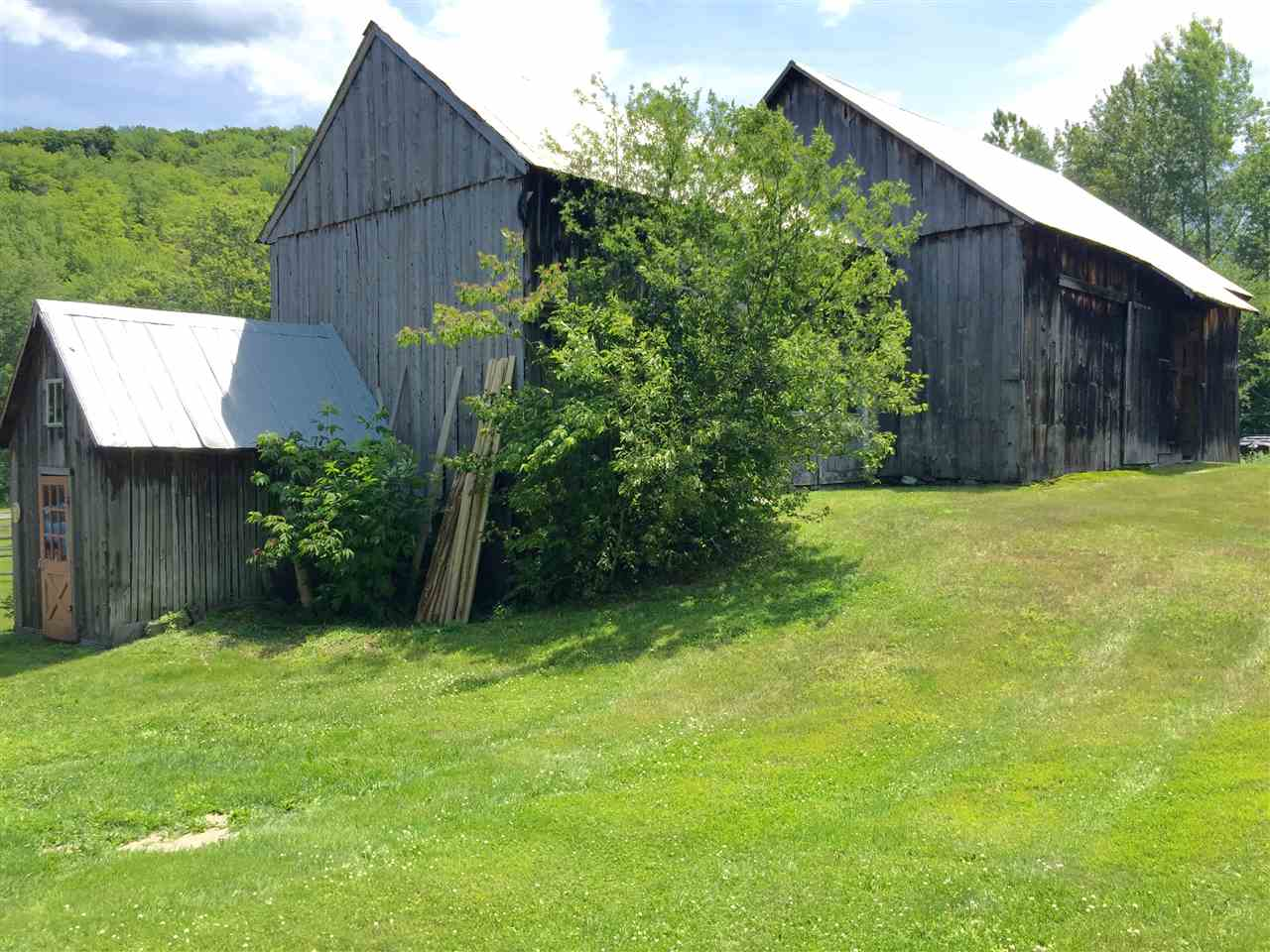 antique barn/ stalls and storage 12244221