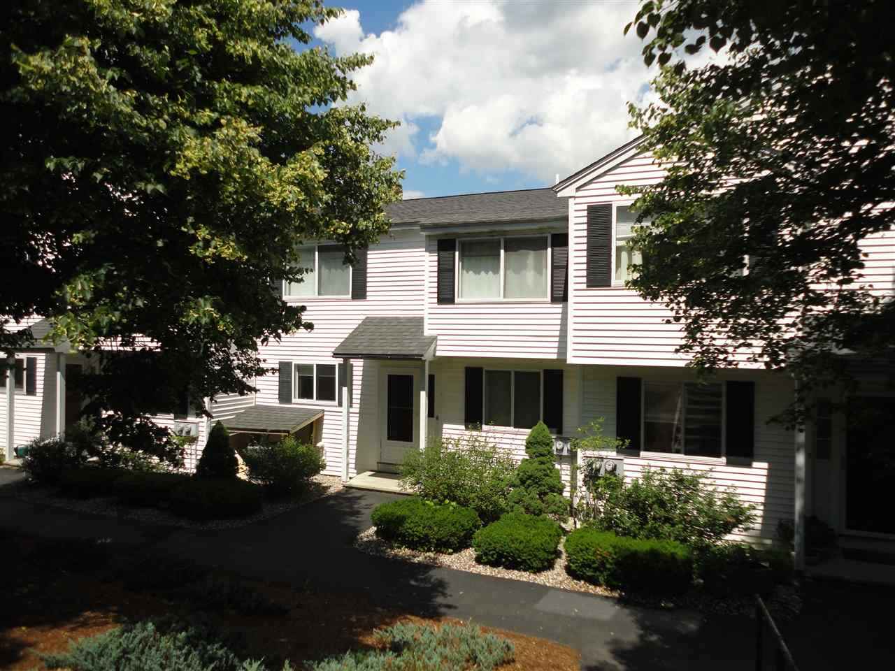 Amherst NH Condo for sale $List Price is $250,000