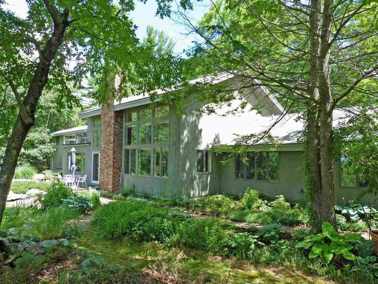 Francestown NHHome for sale $List Price is $449,000