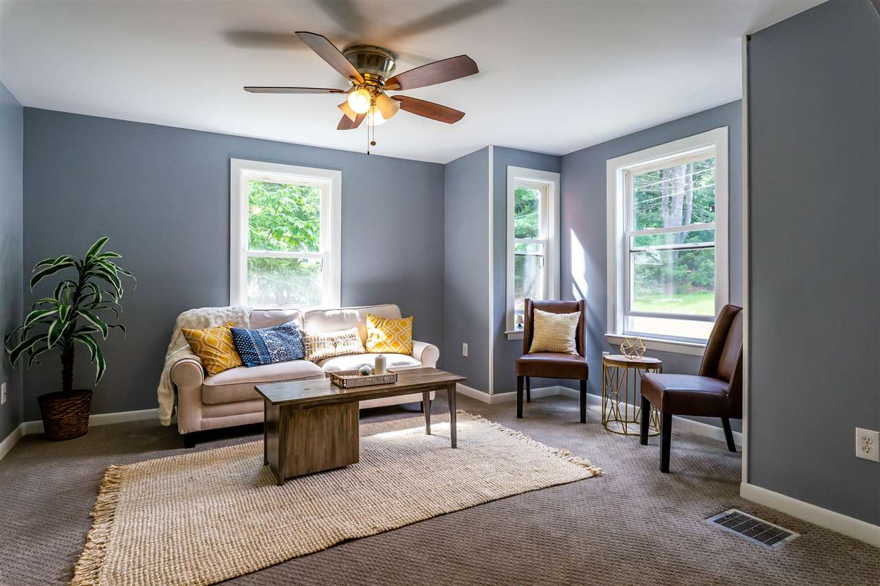 Bedford NHHome for sale $List Price is $275,000