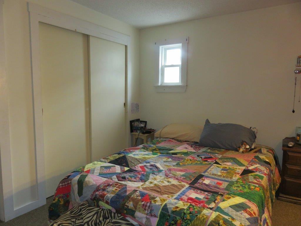 Master Bedroom 12230126