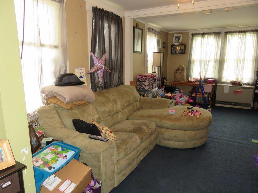 Living Room 12230121