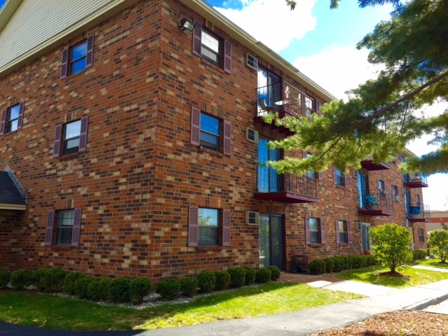 DERRY NH Apartment for rent $Apartment For Lease: $1,249 with Lease Term