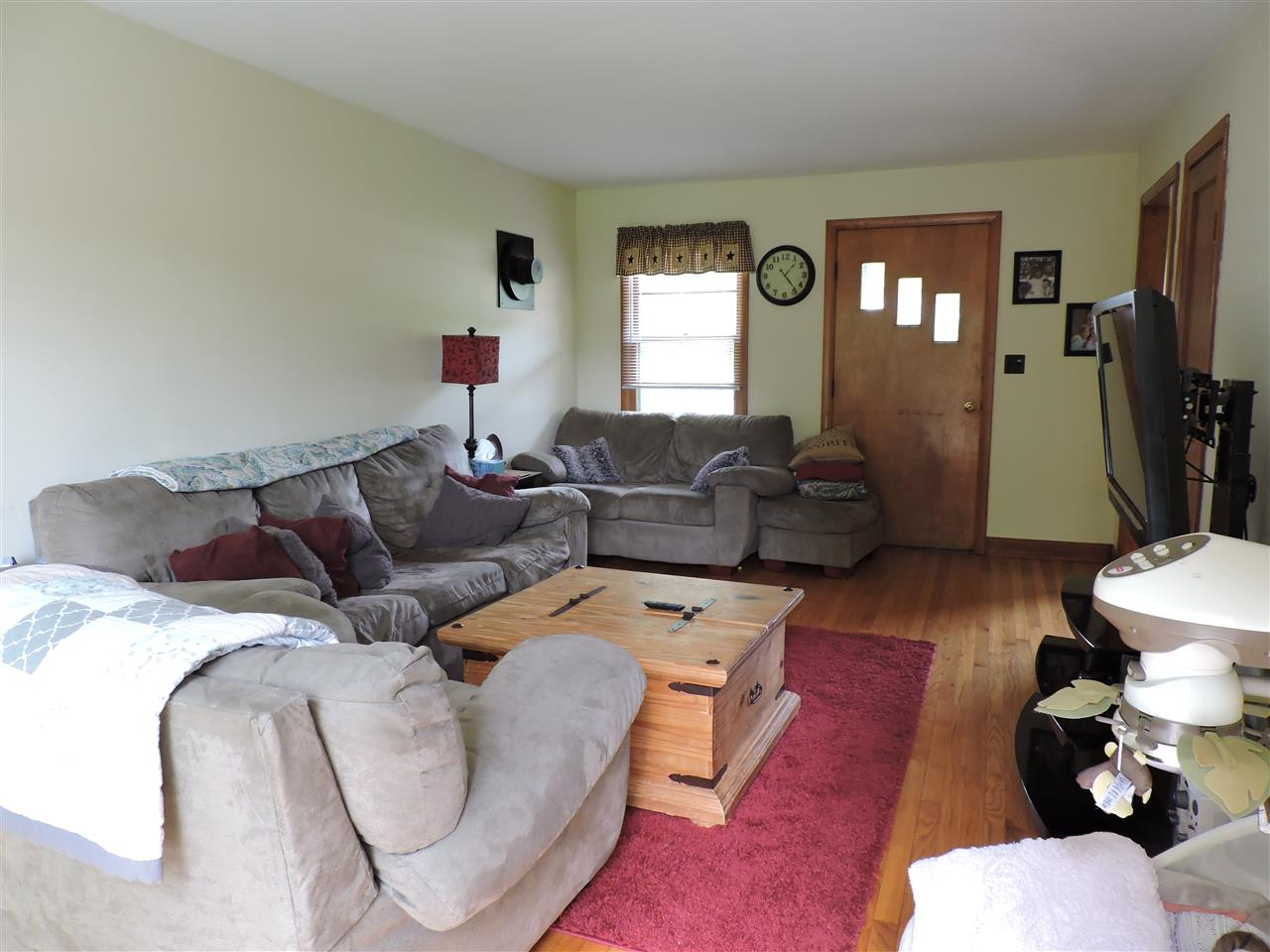 Living room 12183152