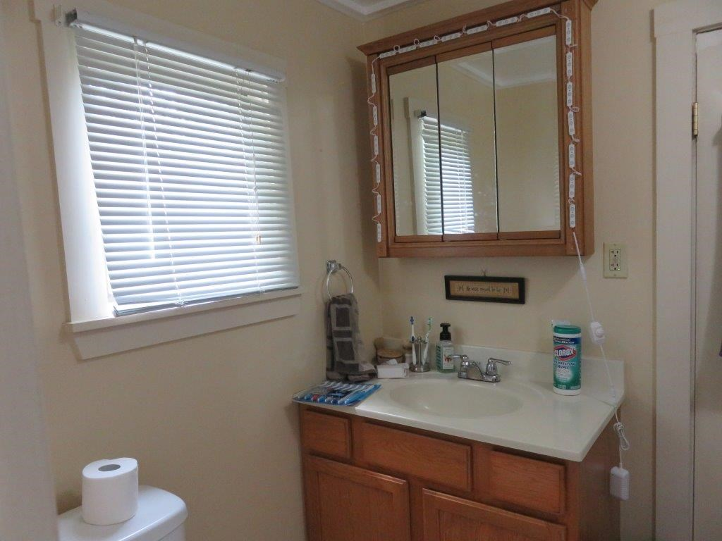 First Floor Unit Bath 12230093