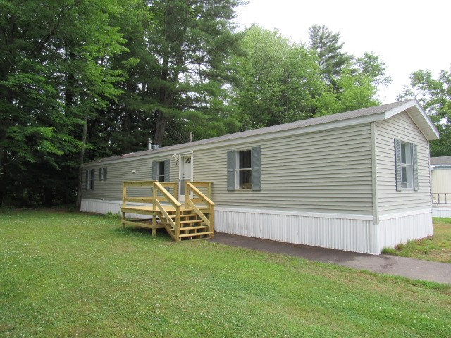Concord NHMobile-Manufacured Home for sale $List Price is $47,900