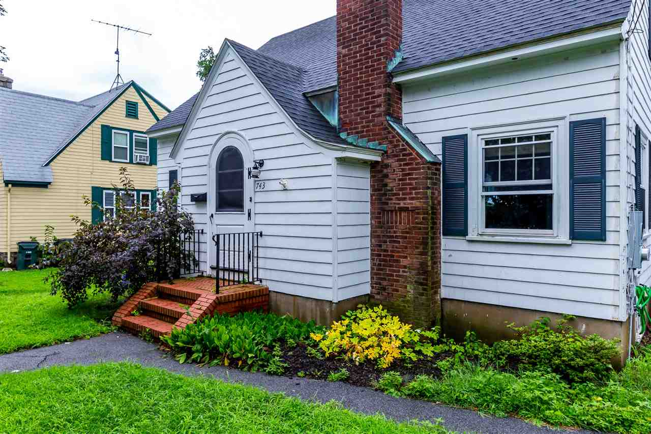 MANCHESTER NH Home for sale $$209,000 | $149 per sq.ft.