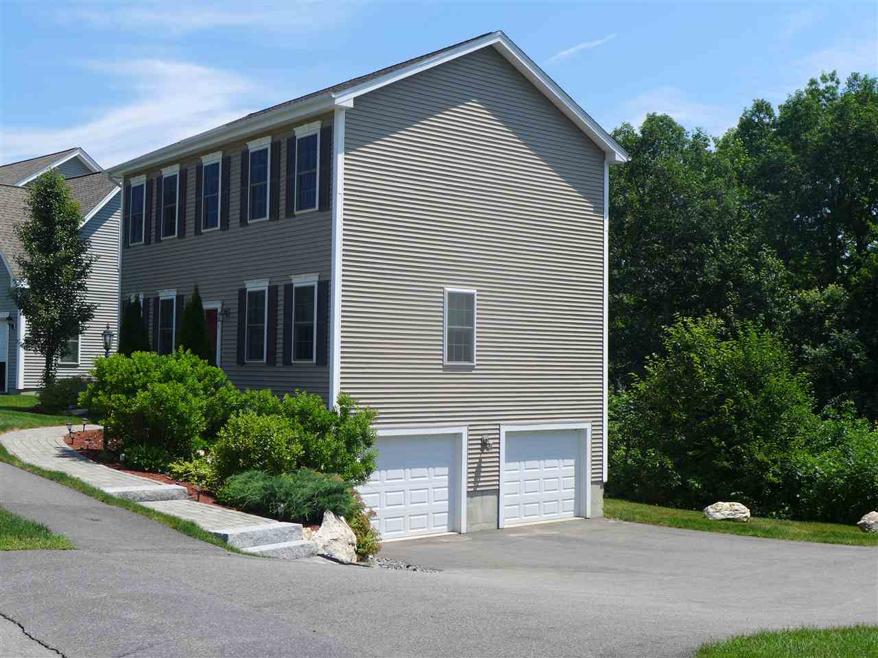 MANCHESTER NH Home for sale $$347,500 | $197 per sq.ft.
