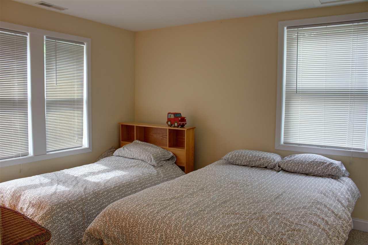 Family Room 12301327