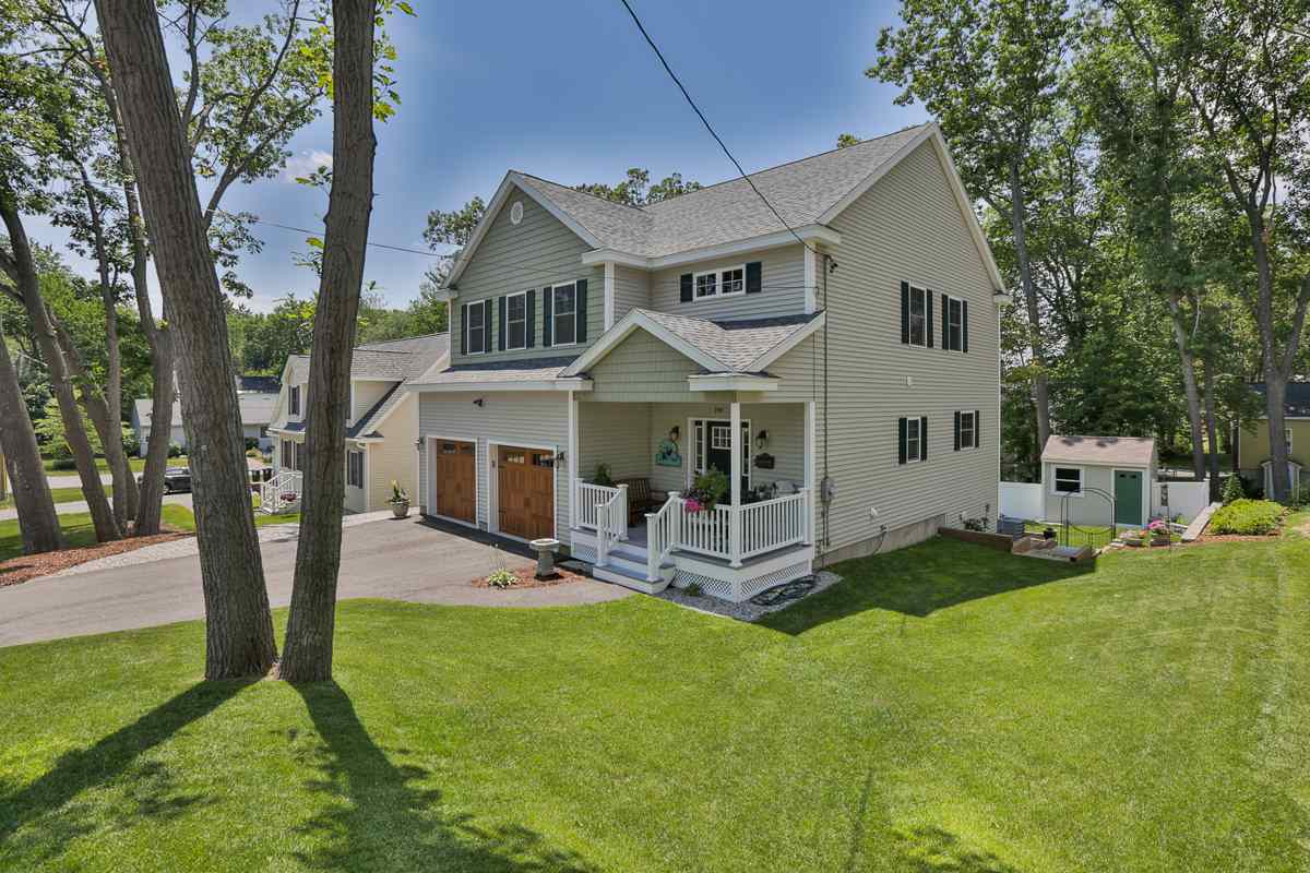 MANCHESTER NH Home for sale $$388,900 | $167 per sq.ft.