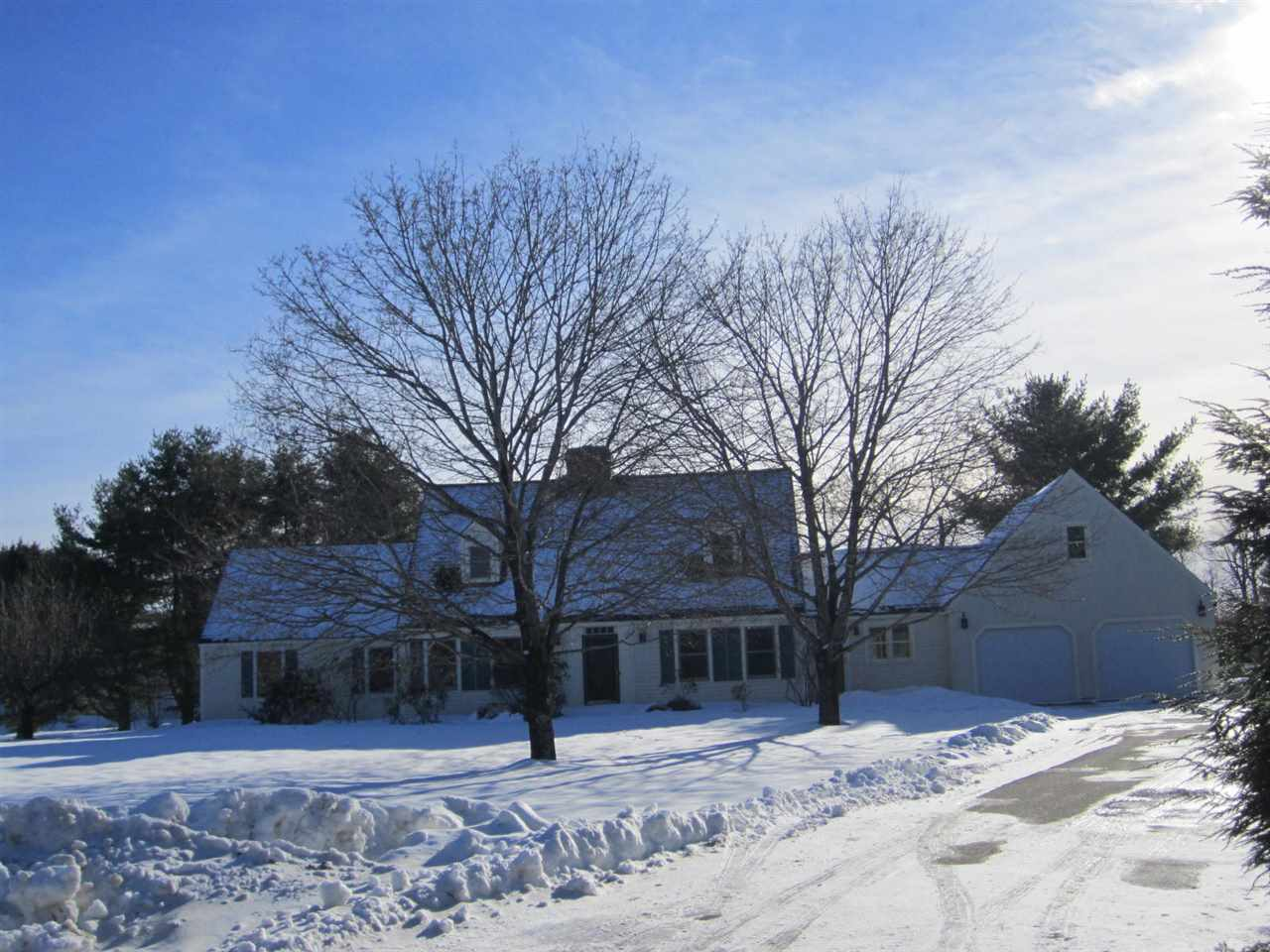 NEW LONDON NH Home for sale $$429,000 | $183 per sq.ft.