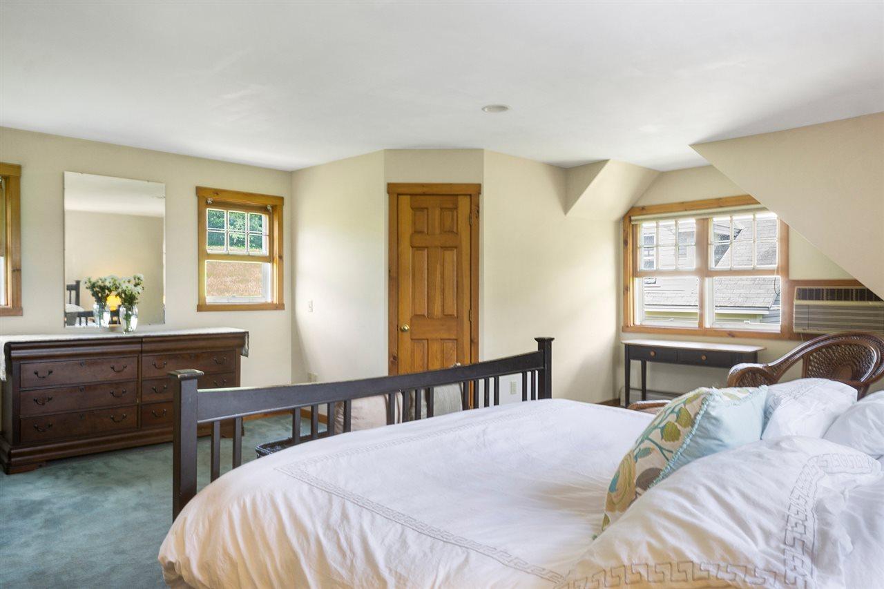 Master en-suite with double closet