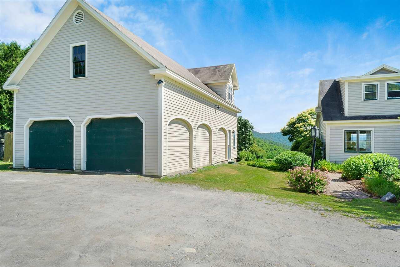 Home w. detached garage