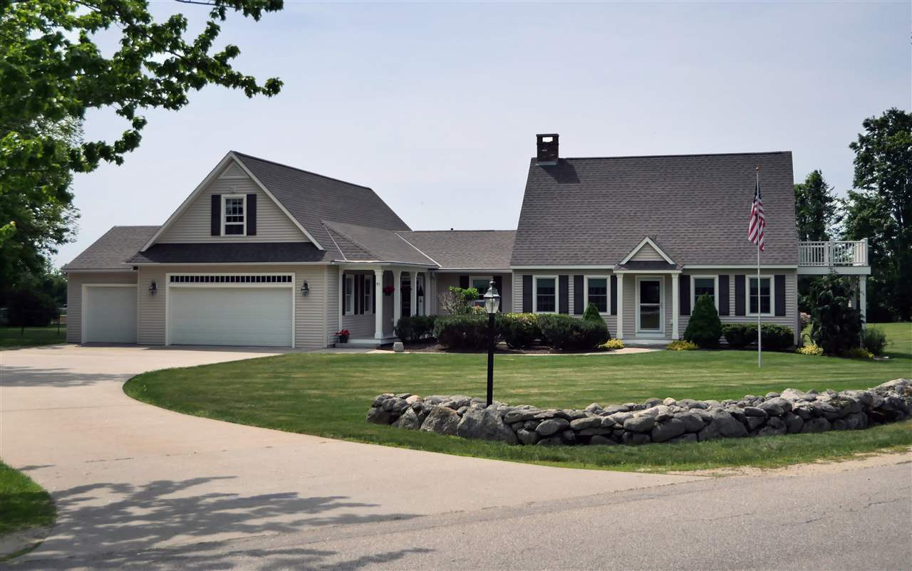 NEW LONDON NH Home for sale $$590,000 | $173 per sq.ft.