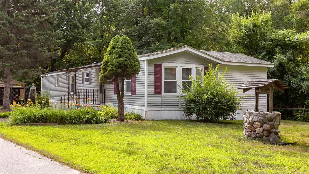 Hooksett NH Mobile-Manufacured Home for sale $List Price is $59,900