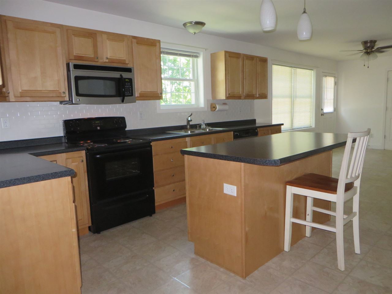 GOFFSTOWN NHSingle Family for rent $Single Family For Lease: $2,500 with Lease Term